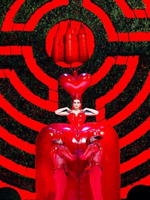 <p><strong>THEATRE: The Royal Ballet: Alice</strong><strong>'</strong><strong>s Adventures in Wonderland</strong></p>  <p>Take a trip down the rabbit hole with Christopher Wheeldon's <em>Alice</em><em>'</em><em>s Adventures in Wonderland </em>this weekend