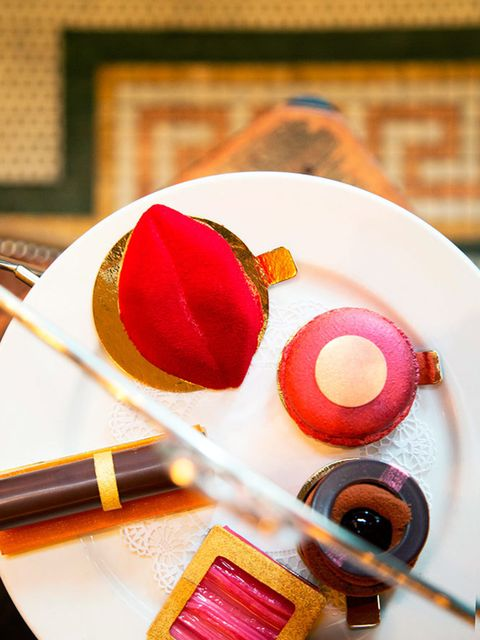 <p>FOOD: Bobbi Brown Afternoon Tea at Balthazar</p>  <p>This new foodie experience is a beauty. Quite literally. Because Covent Garden brasserie Balthazar has looked to Bobbi Brown for inspiration for its new afternoon tea, taking the brand's best-loved p