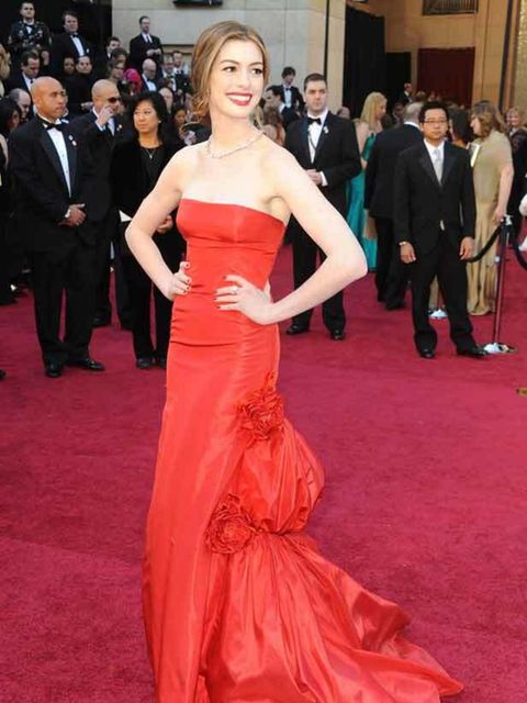 "<p><a href=""http://www.elleuk.com/starstyle/style-files/%28section%29/anne-hathaway"">Anne Hathaway</a> in <a href=""http://www.elleuk.com/catwalk/collections/valentino/spring-summer-2011"">Valentino</a> at the Academy Awards 2011</p><p> </p>"