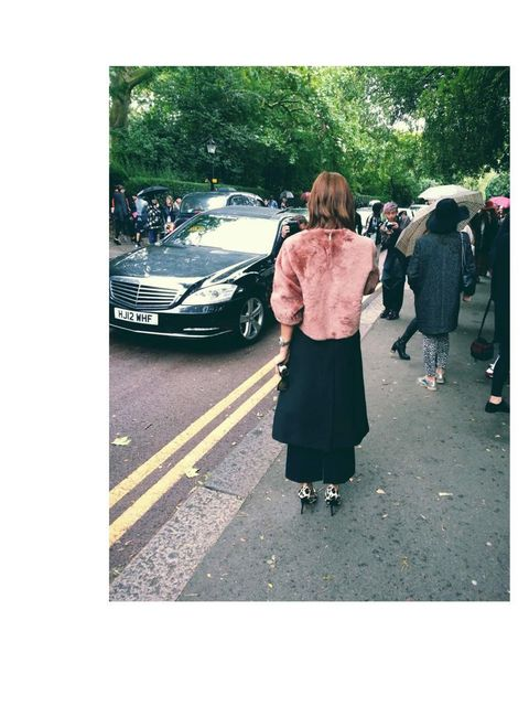 <p>How to look great in High street clothes. This woman outside Topshop wearing an amazing Topshop look.</p>