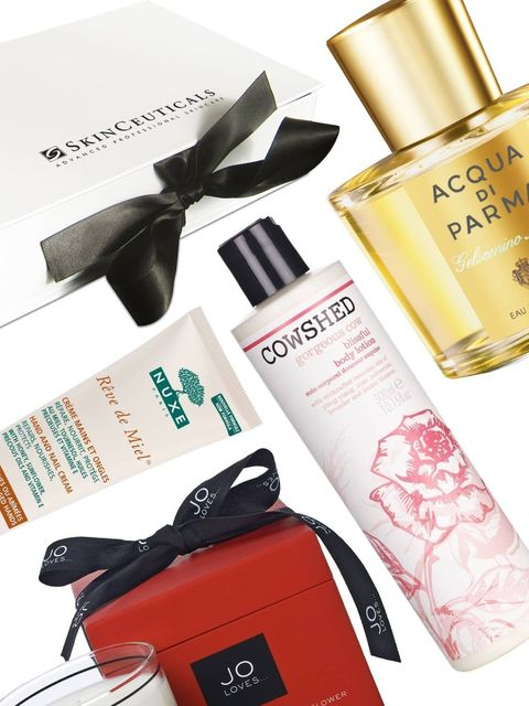 <p>We reveal the top 10 Mother's Day gifts to suit a variety of purse strings and that any mum would love to receive come Sunday. From the new Jo Loves layered candle (it gives off different scents as it burns down) to the perfume team ELLE is obsessed wi