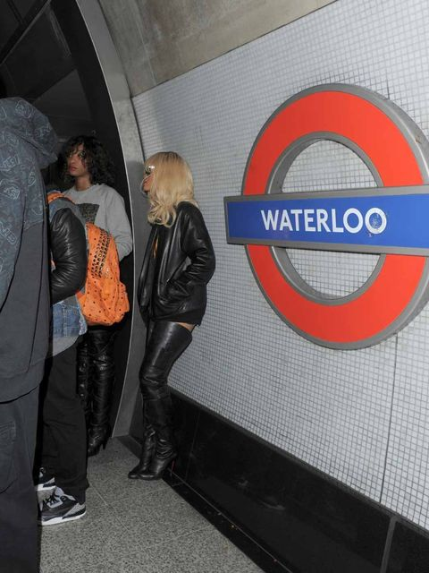 <p>Rihanna in Waterloo Tube station</p>