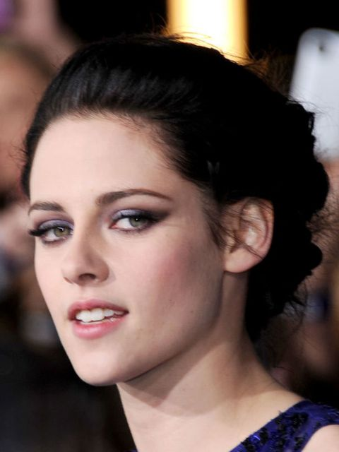 <p><strong>Kristen Stewart</strong></p><p><strong>Where:</strong> Twilight Saga: Breaking Dawn premiere</p><p><strong>Hair by: </strong>Adir Abergel</p><p><strong>Step-by-step: </strong>'Begin by applying Fekkai Bouffant Lifting and Texturizing Spray Gel,