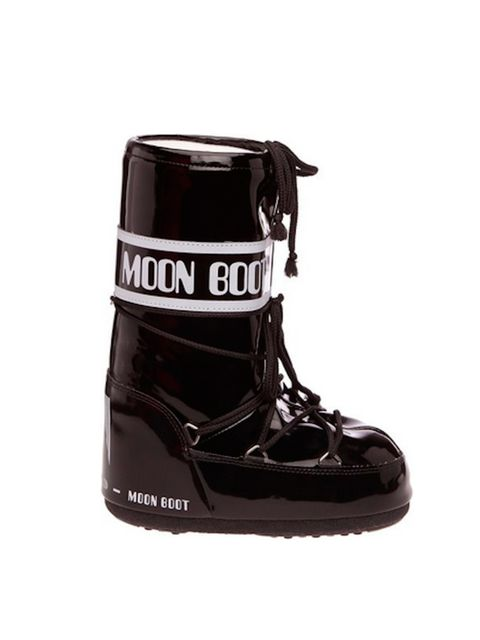 "<p>Moon Boots, £55 at <a href=""http://www.amazon.co.uk/Moon-Boot-Unisex-Adult-14009700-Bianco/dp/B004CNWRGG/ref=sr_1_7?s=shoes&ie=UTF8&qid=1427196755&sr=1-7&keywords=moon+boots"" target=""_blank"">amazon.co.uk </a></p>"