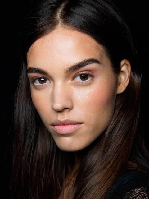 """<p><a href=""""http://www.elleuk.com/catwalk/bcbgmaxazria/spring-summer-2015"""">BCBG Max Azria</a></p>  <p>The Look: Bronzed Beauty</p>  <p>Make-up Artist: Val Garland for MAC</p>  <p>Key Product: Bronzer</p>  <p>Top tip: to get that 'fresh from vacation look'"""