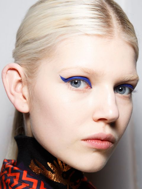 <p>Kenzo took a classic flick, supersized it and gave it a modern edge by opting for a midnight blue shade over black. If you're wary of blue, then this is the one to try first as both the shade and style are universally flattering.</p><p>Use a fine-tip