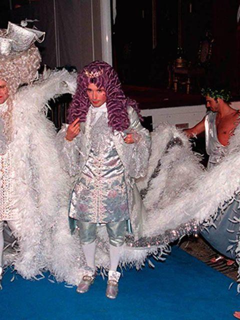Elton John celebrates his 40th birthday in style