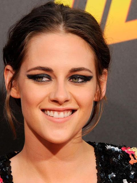 <p>K-Stew showing her excellent smiling side... We love it.</p>