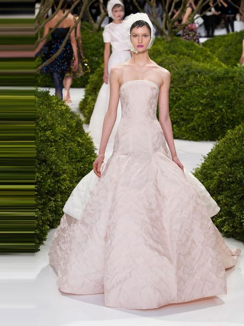 "<p><a href=""http://www.elleuk.com/catwalk/designer-a-z/chanel/couture-ss-2013"">Christian Dior Couture S/S 2013</a></p>"