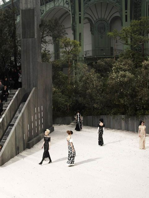 "<p><a href=""http://www.elleuk.com/catwalk/designer-a-z/chanel/couture-ss-2013"">Chanel Couture S/S 2013</a></p>"