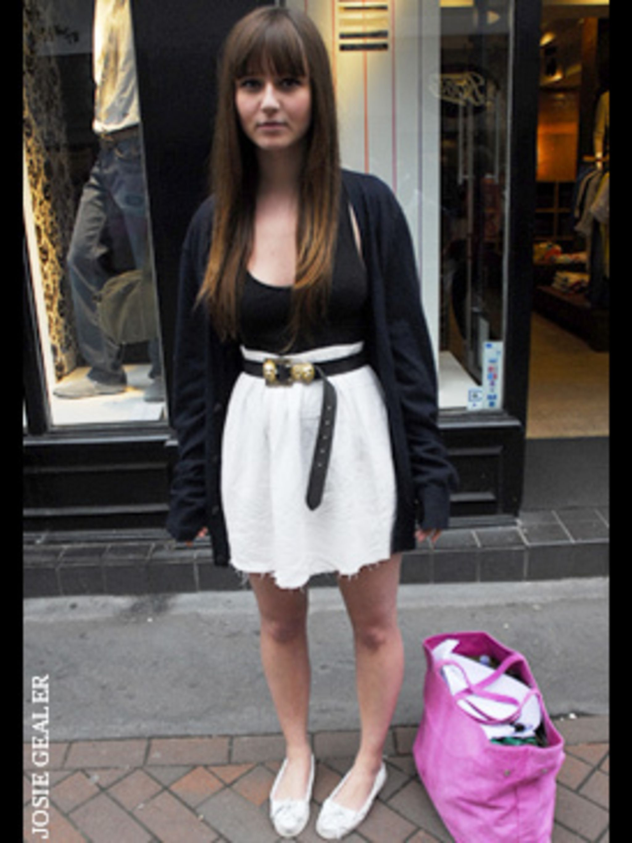 <p>Scarlett-Rose shows us how to rock the nautical trend without being too obvious - we love her style. The white, high waisted skirt - (note the DIY ripped hem), teamed with a gold, buckled belt and lust-have loafers, all point subtly towards seaside chi