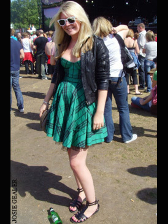 <p>Emma Hill, 23</p>