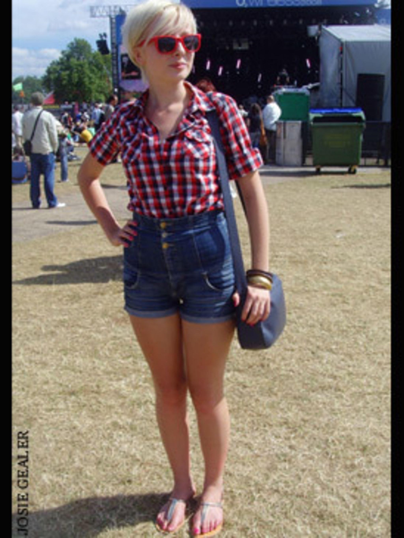 <p>Ellie Baldwin. 17</p>