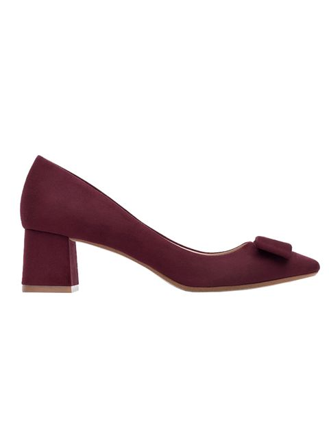 "<p><a href=""http://www.zara.com/uk/en/woman/shoes/view-all/medium-heel-shoes-with-bow-c734142p2775950.html"" target=""_blank"">Zara </a>mid-heel shoes, £39.99</p>"