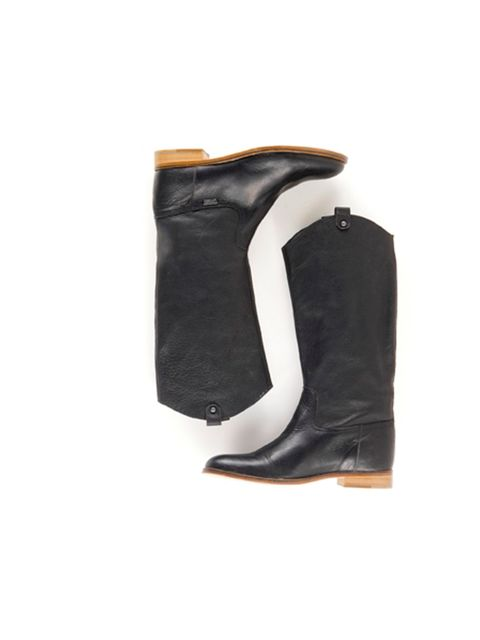 "<p>Created specifically for the holiday season, these limited edition Levi's boots are just the ticket for Boxing Day walks and tackling the weather on your commute come January... <a href=""http://eu.levi.com/en_GB/shop/products/female-Footwear-Footwear/G"