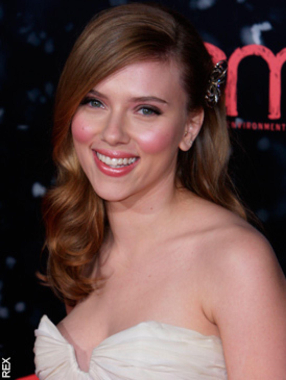Scarlett Johansson does Marilyn for Dolce & Gabbana