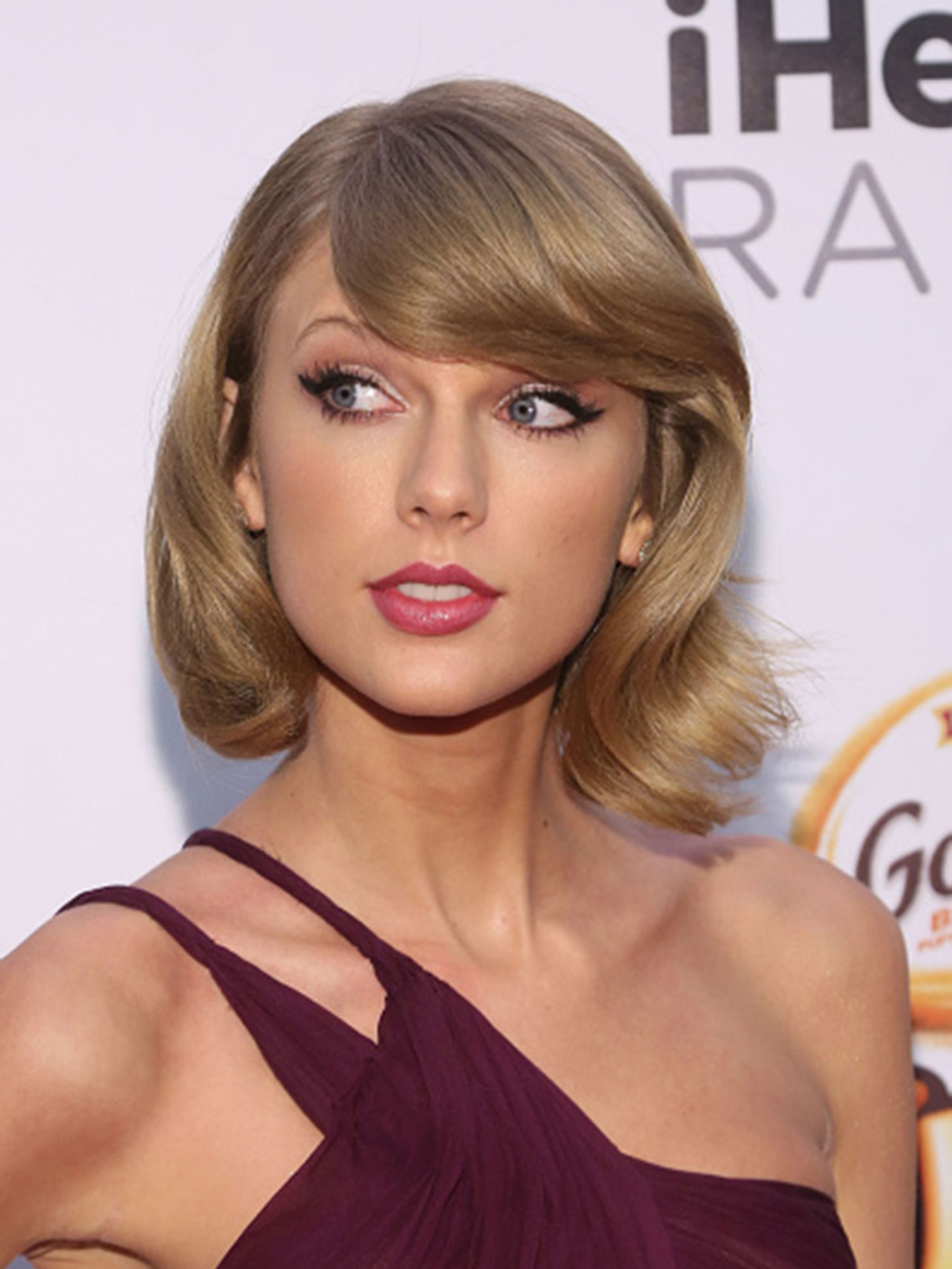 Taylor Swift S Hair Journey From Wavy Lob To Classic Bob