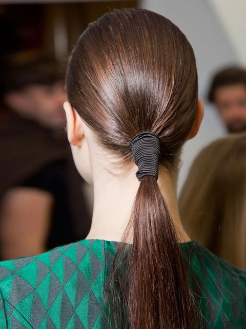<p>Forget everything you thought you knew about straight hair – the new straight is not about poker fine and ironed to within an inch of itself, instead it's glossy, shiny, sleek hair that oozes quality and health. Well, Jonathan Saunder