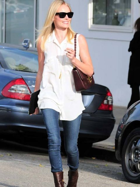 "<p><a href=""http://www.elleuk.com/starstyle/style-files/(section)/kate-bosworth"">Kate Bosworth</a> rocking casual chiC in a jeans & boots combo out and about in LA, 3 November 2011</p>"