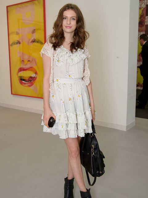 """<p><a href=""""http://www.elleuk.com/content/search?SearchText=Tali+Lennox&SearchButton=Search"""">Tali Lennox</a> in vintage at the Frieze Art Fair in Regent's Park, 12 October 2011</p>"""