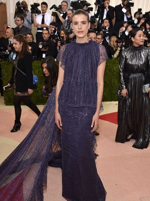 <p>The midnight blue colour and sweeping train on this Kenzo dress is the perfect foil for Agyness Deyn's statuesque, gamine beauty</p>