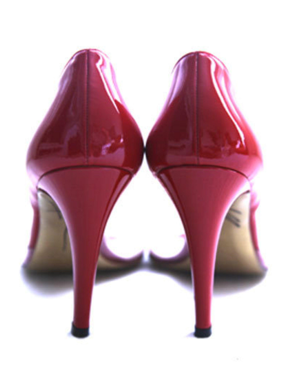 <p>Keira Knightley's Issa heels</p>