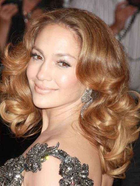"""<p><a href=""""http://www.elleuk.com/starstyle/style-files/jennifer-lopez"""">Click here to see Jennifer's Style File</a>Jen has avoided curling the root area for a more relaxed look. For perfect big curls we love Revlon's Big Curls Ceramic Tongs, £15, which gi"""