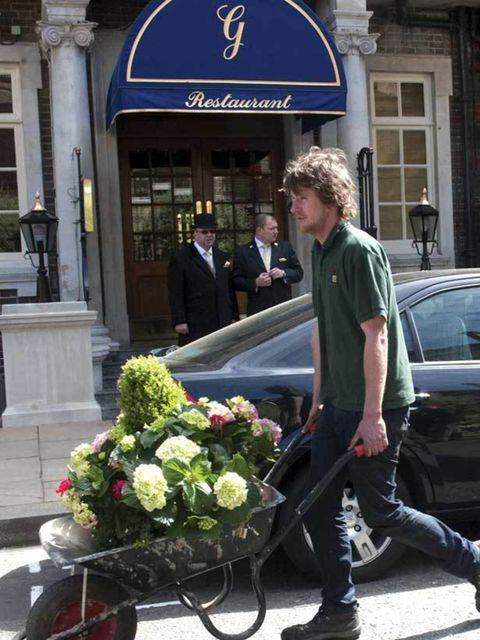 <p>Flowers being delivered to The Goring Hotel for tomorrow's eagerly anticipated Royal Wedding</p>