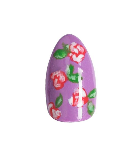 <p><strong>The look:</strong> A pretty vintage floral that's easy to do, but looks really effective.</p><p><strong>You will need:</strong><em>Base coat</em><em>Four nail polishes</em> - a base colour, a shade for the flowers, a white for the petal detail