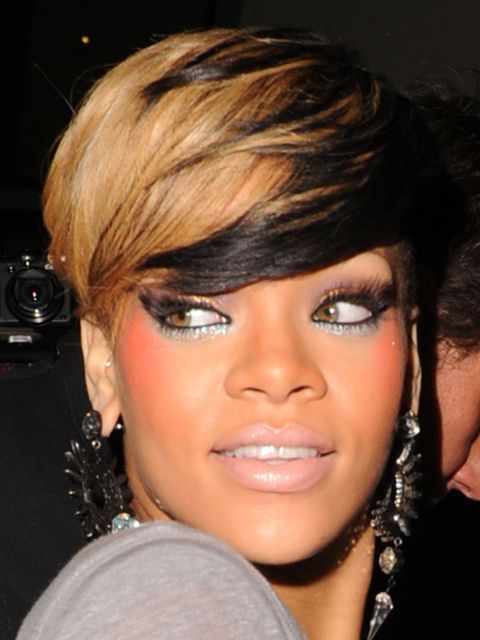 "<p><a href=""http://www.elleuk.com/beauty/hair/hair-features/%28section%29/celebrity-hair-secrets"">Click here to read about Rihanna's ever-changing hairstyle...</a></p>"