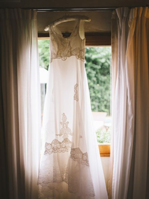 "<p>For my wedding dress, I wanted something classic and timeless so opted for the <a href=""http://www.charliebrear.com/"" target=""_blank"">Vintage Wedding Dress Company</a> who do an array of fantastic wedding dresses and veils.</p>  <p>The dress needed to"