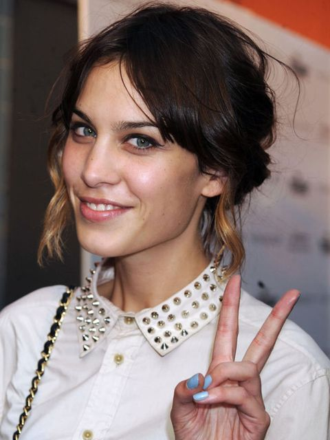 "<p><a href=""http://www.elleuk.com/starstyle/style-files/%28section%29/Alexa-Chung"">Click now to see Alexa's style file</a></p>"
