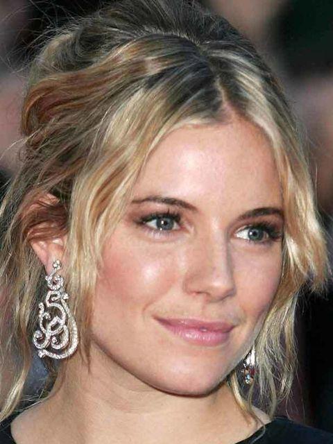 "<p><a href=""http://www.elleuk.com/beauty/celebrity-make-up-bag/sienna-miller-favourite-beauty-buys"">Click here to see Sienna's favourite beauty buys</a></p>"