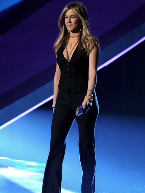 """<p><a href=""""http://www.elleuk.com/starstyle/style-files/%28section%29/jennifer-aniston"""">Jennifer Aniston</a> in <a href=""""http://www.elleuk.com/catwalk/collections/dolce-gabbana/spring-summer-2011/review"""">Dolce &amp&#x3B; Gabbana</a> at the People's Choice Awar"""