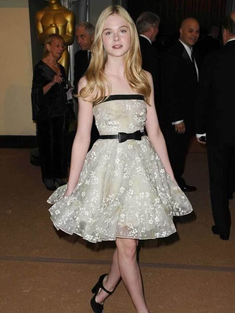 "<p>Elle Fanning wears <a href=""http://www.elleuk.com/catwalk/collections/valentino/spring-summer-2011/collection"">Valentino</a> to the 2nd Annual Academy Governors Awards in Los Angeles, 13 November 2010</p>"