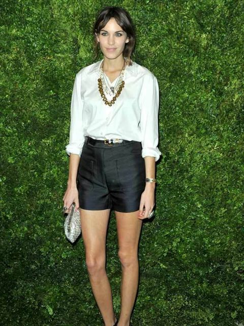 <p>Alexa Chung attends the 7th Annual CFDA/Vogue Fashion Fund Awards in New York, 15 November 2010</p>