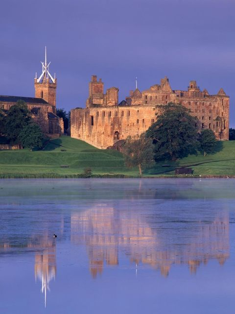 <p>Linlithgow Palace in West Lothian, Scotland</p>