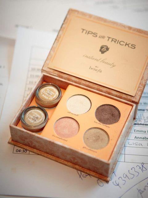 <p>Tips &amp; Tricks</p>