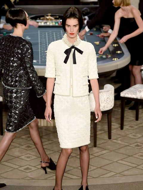 chanel-couture-aw-2015-look-2