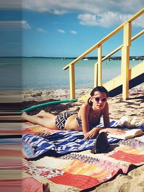 <p>Alexa Chung catches some rays in Puerto Rico with Pixie Geldof.</p>