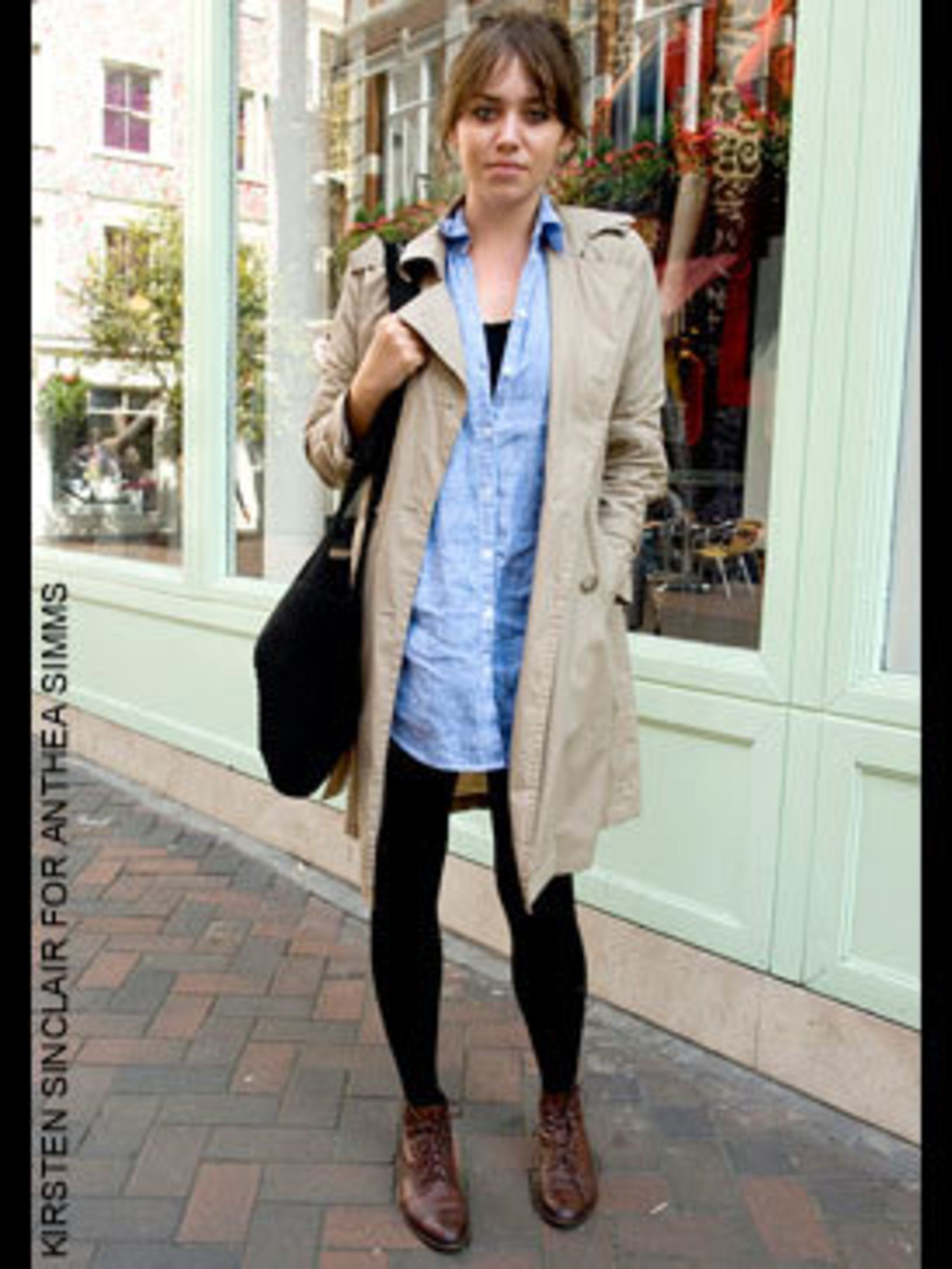 <p>Cosi a Buyer from London wearing a jacket from gap, shirt from H&amp&#x3B;M, bag andboots from a vintage shop in L.A.</p>