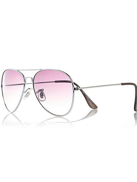 "<p><a href=""http://www.riverisland.com/men/sunglasses/aviator-sunglasses/silver-tone-aviator-style-sunglasses-283191"" target=""_blank"">River Island</a> sunglasses, £10</p>"