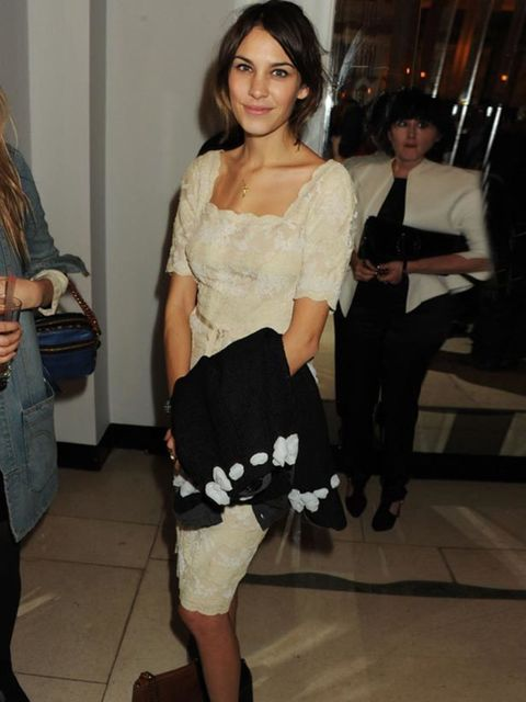 "<p><a href=""http://www.elleuk.com/starstyle/style-files/%28section%29/Alexa-Chung"">Alexa Chung</a> </p>"
