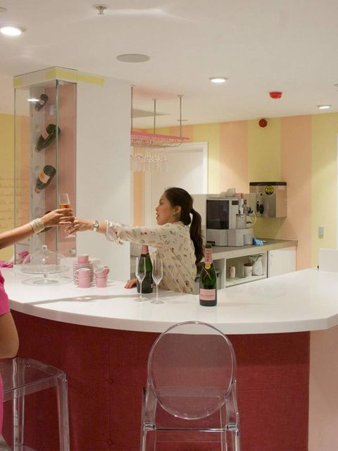 <p>First up, the bar - serving only pink champagne </p>