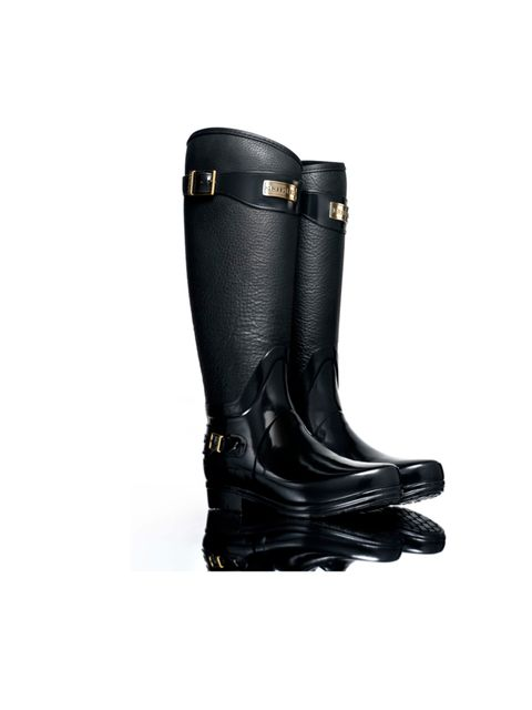 """<p>Perfect for muddy country walks as well as summer's festivals, these new Hunters make welly-wearing that little bit more chic... <a href=""""http://www.hunter-boot.com/regent-clarence/black"""">Hunter</a> 'Regent Clarence' boots, £195</p>"""