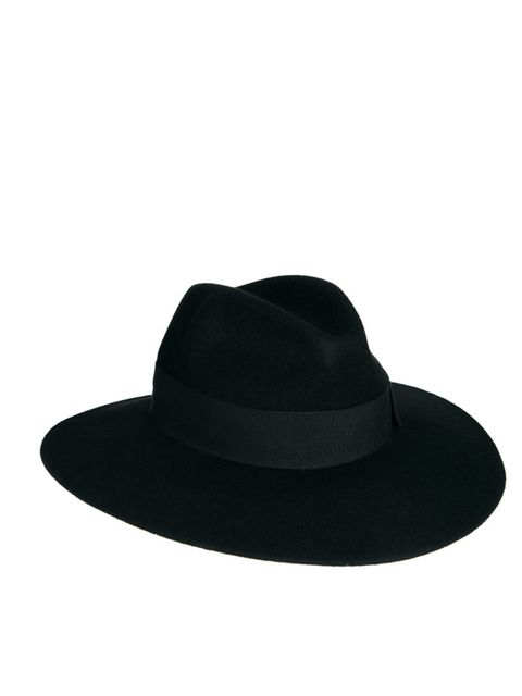 "<p>Catarzi Exclusive to ASOS Black Fedora, £30</p><p><a href=""http://shopping.elleuk.com/browse?fts=asos+catarzi+fedora"">BUY NOW</a></p>"
