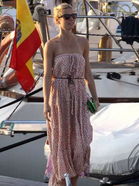 """<p><a href=""""http://www.elleuk.com/starstyle/style-files/(section)/gwyneth-paltrow"""">Gwyneth Paltrow</a> looking effortlessly chic on holiday</p>"""