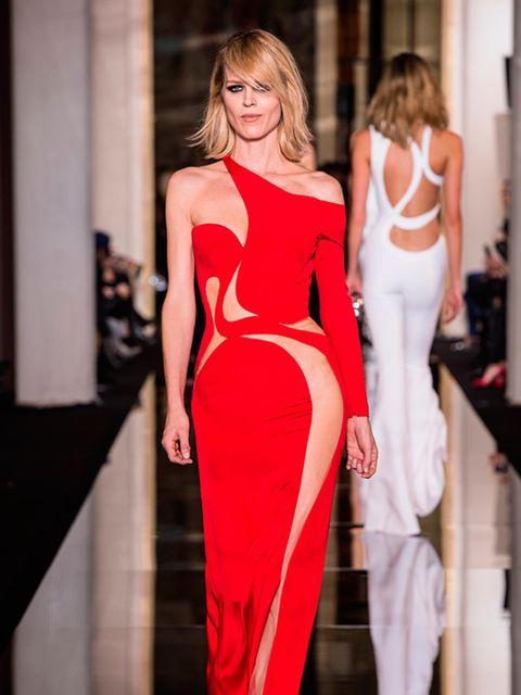<p>Eva Herzigova at Atelier Versace Couture s/s 2015.</p>