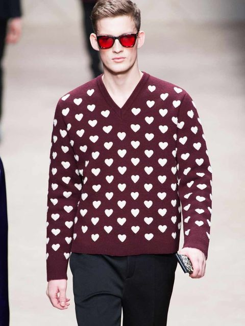 <p>Burberry heart print</p>