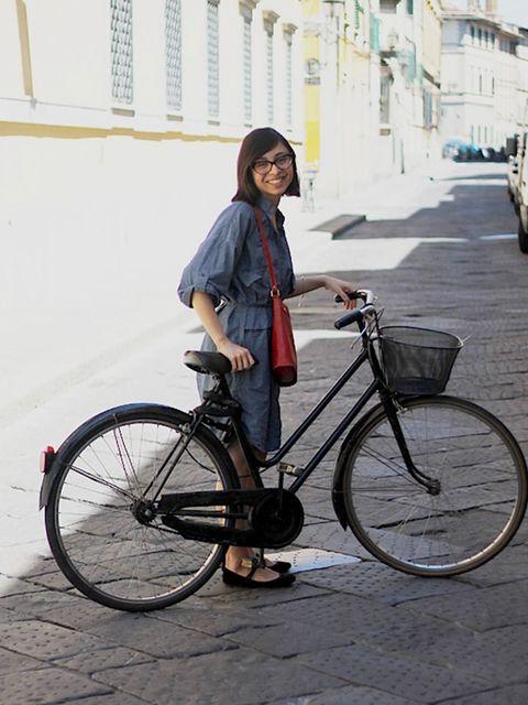 <p>Liza. Cos dress, Cinti shoes, vintage bag.</p><p>Photo by Alessia Landi</p>